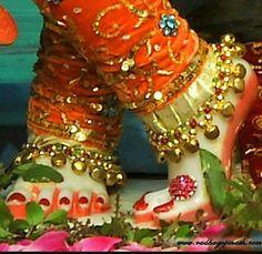 Shree Krishna, Radhe Krishna, Lord Krishna, Radha Krishna Wallpaper, Mother Goddess, Cute Photography, Hindu Deities, Krishna Images, Holi
