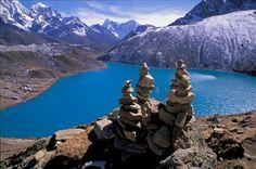 Drei Monate nach dem Erdbeben hat die nepalesische Regierung den berühmten Annapurna-Trek für sicher erklärt. Auch viele andere Routen können in der bald beginnenden Wandersaison wieder begangen werden. Der Überblick.
