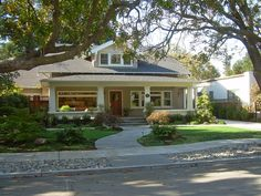 Craftsman House 2019 Love the whole look/feel of this house. The post Craftsman House 2019 appeared first on House ideas. House, Craftsman Bungalows, House Styles, House Prices, Craftsman, Cottages And Bungalows, Craftsman House, Craftsman Bungalow Exterior, Craftsman Exterior