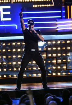 Luke Bryan Photo - 46th Annual CMA Awards - Show