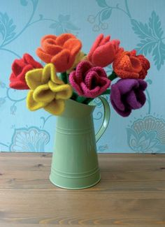 Knitted tulip bouquet
