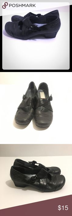 Black Josef Seibel Comfort Shoe Size 9 Very comfortable Black Josef seibel shoe, great for professional settings also for quick on the go use! The color is gently worn on the shoe and can be easily brought back to life with a little shoe polish! This shoe is a must have for a busy ambitious person! Josef Seibel Shoes Heels