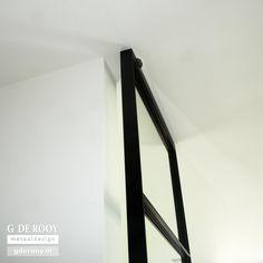 http://www.stalen-binnendeuren.nl/voorbeelden-stalen-deuren/18-strakke-stalen-deuren-vier-ramen-utrecht