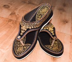 13bf34f85be7 HANDMADE GOLDEN EMBROIDERY US WOMEN S LIGH HEEL FLIP-FLOP SLEEPER  fashion   clothing  shoes  accessories  womensshoes  sandals (ebay link)