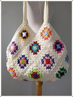 Modern Crochet Patterns, Crochet Designs, Chevron Bags, Granny Square Bag, Crochet Shoulder Bags, Rainbow Bag, Bag Pattern Free, Crochet Purses, Crochet Bags