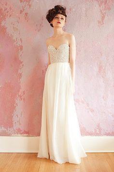 Sarah Seven - vestido de noiva com corpete brilhante - Coleções Vestidos de Noiva 2013 #casarcomgosto