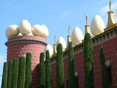 The Dalí museum in Figueres near Barcelona is one of the most interesting and popular museums in Northern Spain.
