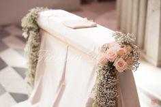 Basilica Santa Croce Cagliari gypsophila, rosa rosa cipria e candele | Fioreria Daisy Floral Design & Wedding Sardegna Cagliari Fiori Allestimenti Floreali Matrimoni