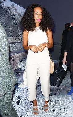 5 Slimming Style Rules Almost Every Celebrity Follows via @WhoWhatWearUK