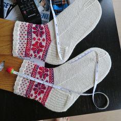 Ravelry: yvonnep's skajan13 Fair Isle Flower Sock