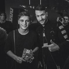 Martin Garrix and Don Diablo. Cant wait till they do a collab Don Diablo, Best Dj, Electronic Music, Wells, Edm, Cool Pictures, Cant Wait, Celebrities, Honey