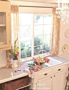 FRENCH COUNTRY COTTAGE: Vintage Inspired Guest Cottage Kitchen
