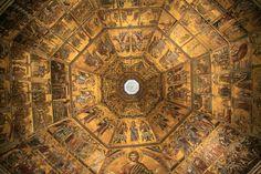 """Batistério de São João com a """"porta do paraíso"""" e os mosaicos venezianos"""