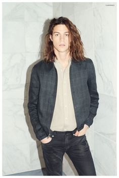 Miles McMillan Poses for Club Monaco Summer 2015 Look Book Club Monaco, Men Street Look, Street Style, Boy Models, Male Models, Miles Mcmillan, Masculine Style, Raining Men, Club Outfits