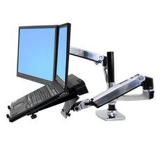 Soporte para monitor y laptop articulado sobre mesa escritorio