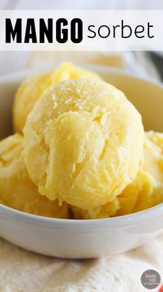 Mango Sorbet Recipe- Fresh mangoes and lime juice come together to make a perfectly tropical Mango Sorbet. Cold Desserts, Frozen Desserts, Frozen Treats, Just Desserts, Dessert Recipes, Frozen Cookies, Fruit Dessert, Yogurt Recipes, Frozen Cake