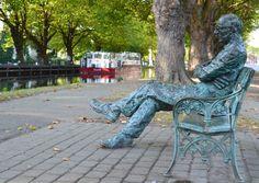 Statue of the Famous Irish poet Patrick Kavanagh, http://daytripperdublin.com/wp-content/uploads/2011/09/Patrick-Kavanagh-Statue.jpg