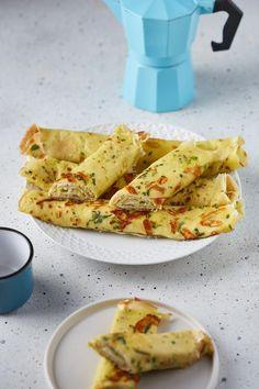 Zöld fűszeres sajtkrémmel töltött sajtos palacsinta recept   Street Kitchen Waffles, Pancakes, Naan, Tacos, Mexican, Gluten, Healthy, Ethnic Recipes, Food
