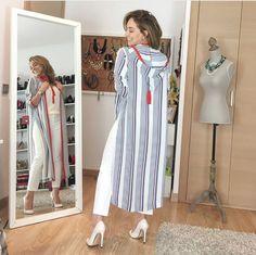 Jellaba Abaya Fashion, Muslim Fashion, Kimono Fashion, Modest Fashion, Fashion Dresses, Traditional Fashion, Traditional Outfits, Kaftan, Morrocan Dress