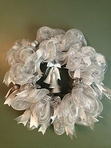 White And Silver Bells Deco Mesh Wreath Bridal Wedding Or Christmas Deco Mesh Crafts, Wreath Crafts, Diy Wreath, Wreath Ideas, Diy Crafts, Christmas Mesh Wreaths, Christmas Decorations For The Home, Christmas Crafts, Winter Wreaths