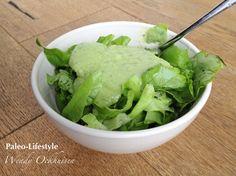 Frisse avocado-komkommerdressing voor bij vlees, vis of zomerse salades