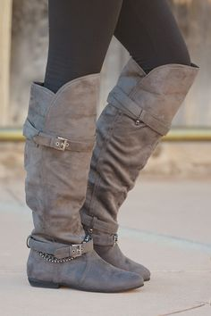 Cute boots! Love the straps and chains ♡