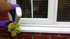 The miracle product to clean your pvc windows - Granny's Tips Vinyl Frames, Window Frames, Diy Cleaning Products, Cleaning Hacks, Kitchen Design Program, Sink Repair, Car Seat And Stroller, Jogging Stroller, Pvc Windows