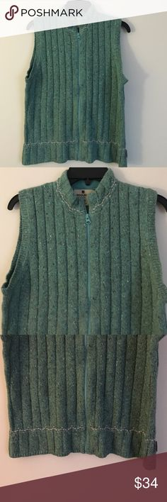 "Woolrich M sleeveless zip up sweater vest green Stay warm and look casual in this great Woolrich variegated green sleeveless zip up sweater vest in a size medium. Dimensions taken while garment is laying flat and zipped: 38"" bust, waist, and hips. Length from shoulder to bottom hem 23"" Woolrich Sweaters"
