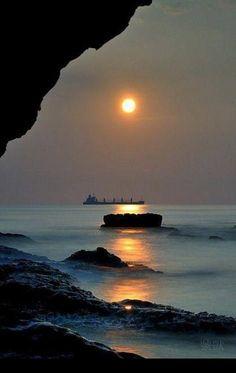 Beautiful Sunset, Beautiful World, Beautiful Places, Cool Pictures, Cool Photos, Beautiful Pictures, Amazing Photography, Nature Photography, Beach Photography