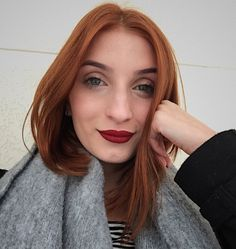 Julia Jolie, Canal Nostalgia, Youtubers, High Neck Dress, Instagram Posts, How To Make, Hair, Divas, Streamers