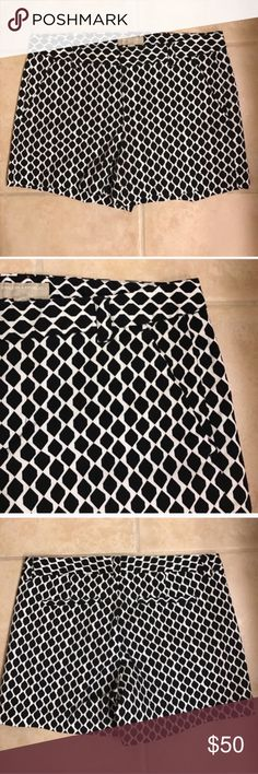 Size 6 Banana Republic black jacquard print shorts Size 6 Banana Republic black jacquard print shorts Banana Republic Shorts