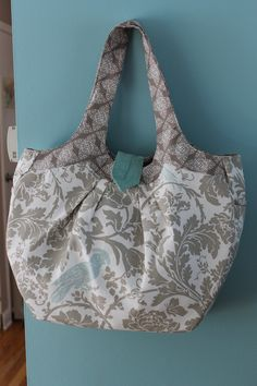 Amy Butler Cosmo Bag http://missymakeshappy.blogspot.com/