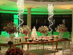 Decoração de Casamento com Lustres