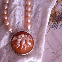 Cameo Necklace with Pearls....