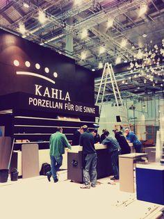 Unser männliches Aufbauteam :-) | KAHLA Porzellan auf der Internorga Messe Hamburg 2014
