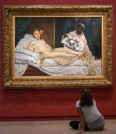 "10 mil Me gusta, 41 comentarios - Musée d'Orsay (@museeorsay) en Instagram: ""Devant ""Olympia"" de Manet.⠀ ----------⠀ In front of Manet's ""Olympia"".⠀ ⠀ #museedorsay #museeorsay…"""