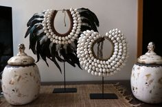 TRIBAL SHELL FEATHER NECKLACE NECKPIECE COLLECTABLE DECOR WITH STAND