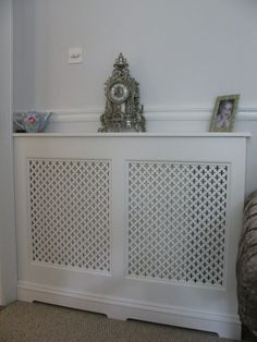 Is your home or apartment heated by old-school radiators? But these radiator units take up considerable wall space and, in many cases, they're unsightly. White Radiator Covers, Modern Radiator Cover, Contemporary Radiators, Traditional Radiators, Wall Heater Cover, Old Radiators, Surface Art, Graphic Patterns, Wall Spaces