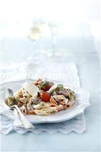 Μακαρονοσαλάτα με απάκι και γραβιέρα Camembert Cheese, Salads, Tacos, Dairy, Pasta, Beef, Ethnic Recipes, Food, Meat