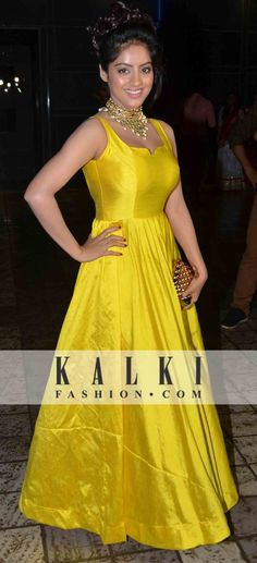 Yellow Indian Gowns, Indian Outfits, Indian Wear, Cheap Dresses, Casual Dresses, Long Evening Gowns, Indian Fashion, Ethnic Fashion, Special Dresses