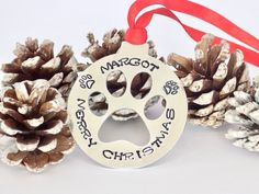 Personalised Christmas Gifts Browse a selection of handcrafted Christmas tree bauble decorations, that you can personalise and give as gifts, to family and friends or to keep and treat yourself to, at Christmas time. Rainbow Christmas Tree, Christmas Leaves, Christmas Tree Baubles, Christmas Animals, Christmas Tree Toppers, Christmas Time, Personalised Christmas Tree Decorations, Personalized Christmas Gifts, Christmas Decorations To Make