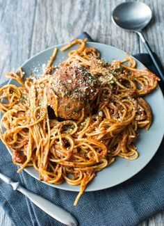 Slow Cooker One-Pot Spaghetti & Meatballs   19 Treats That Lorelai Gilmore Would Definitely Approve Of