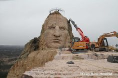 Crazy Horse Memorial is the largest mountain carving in progress! National Landmarks, Famous Landmarks, Crazy Horse Memorial, Rapid City, Medicine Wheel, American War, Travel Usa, State Parks, Places To Travel