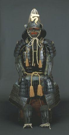 黒漆塗紺糸威五枚胴具足の写真
