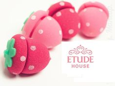 ETUDE HOUSE Strawberry Sponge Hair Roll
