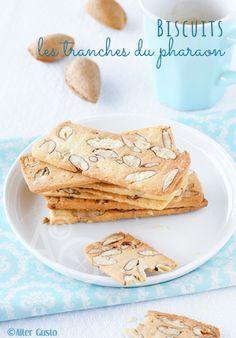 """Inspirée par une recette du pâtissier Italien Luca Montersino. Les """"fettine del faraone"""" sont des biscuits très fins aux amandes … totalement addictifs ! J'ai trouvé cette recette sur le blog italien Trattoria da Martina que j'apprécie beaucoup et où..."""