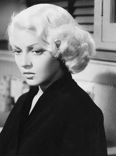 "1946 | Lana Turner as 'Cora Smith' in ""The Postman Always Rings Twice"" (Tay Garnett)"