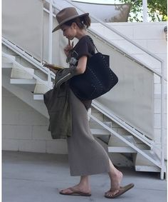 L'Appartement DEUXIEME CLASSE Easy Day, Love Fashion, Womens Fashion, Skirt Outfits, Riding Helmets, Runway, Spring Summer, My Style, Skirts