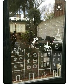 This DIY Sinterklaas window decoration is so simple that even we can and it . - Back to School Noel Christmas, Christmas Crafts, Christmas Decorations, Holiday Decor, Theme Noel, Window Art, Christmas Inspiration, Boutiques, Diy For Kids