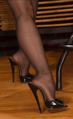 heels nylons erotik in frankfurt am main